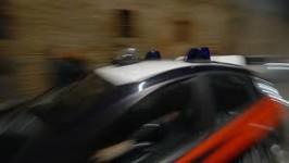 arresti_carabinieri_auto_sfocata