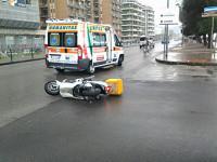 incidente_stradale_ambulanza_scooter_vigili_urbani_2