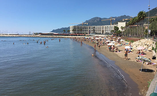 http://www.salernonotizie.net/wp-content/uploads/2017/06/spiaggiasantateresa-1.jpg