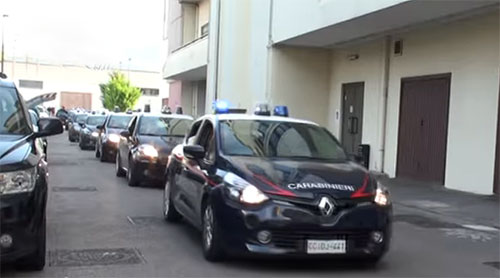 http://www.salernonotizie.net/wp-content/uploads/2017/11/carabinieriauto.jpg