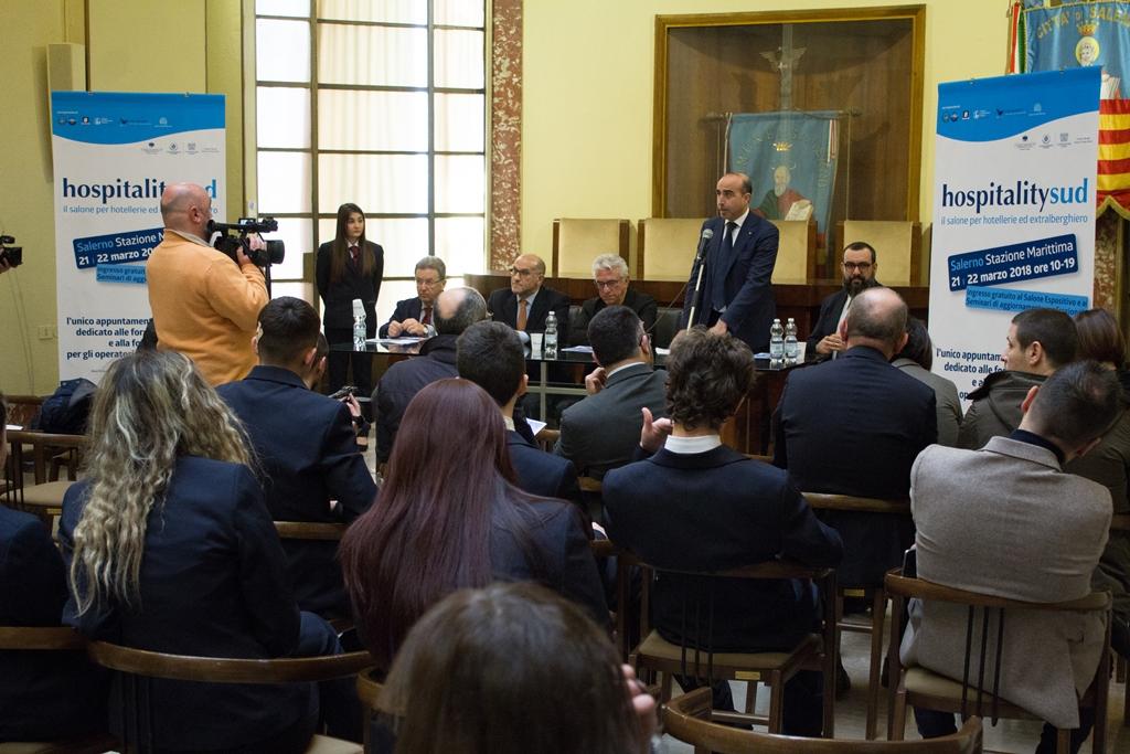 http://www.salernonotizie.net/wp-content/uploads/2018/03/Conferenza-stampa-Hospitality-Sud-11.jpg