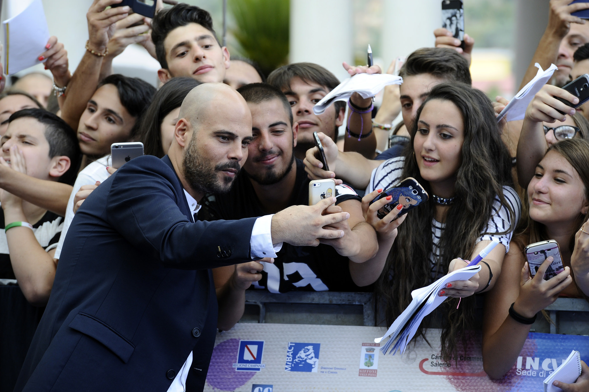 http://www.salernonotizie.net/wp-content/uploads/2018/03/Marco-DAmore-a-Giffoni-1.jpg